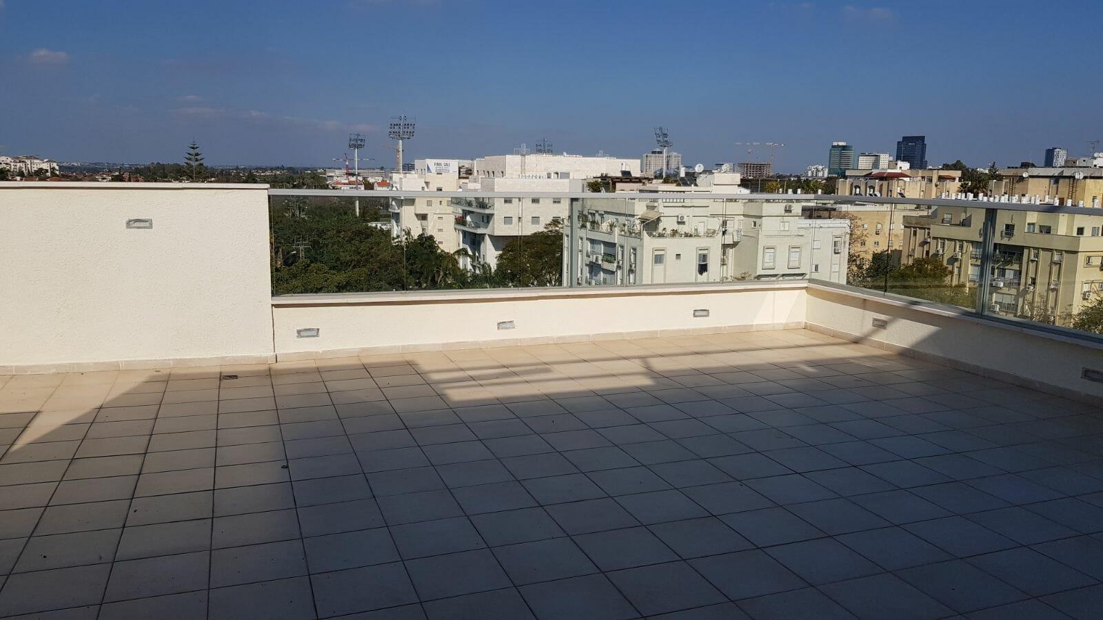 Duplex toit dans le centre de Raanana