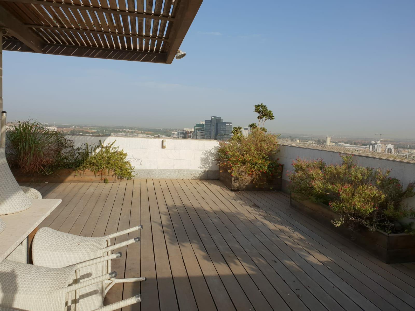 Produit d'Exception, Duplex Penthouse  dans l'est de Raanana