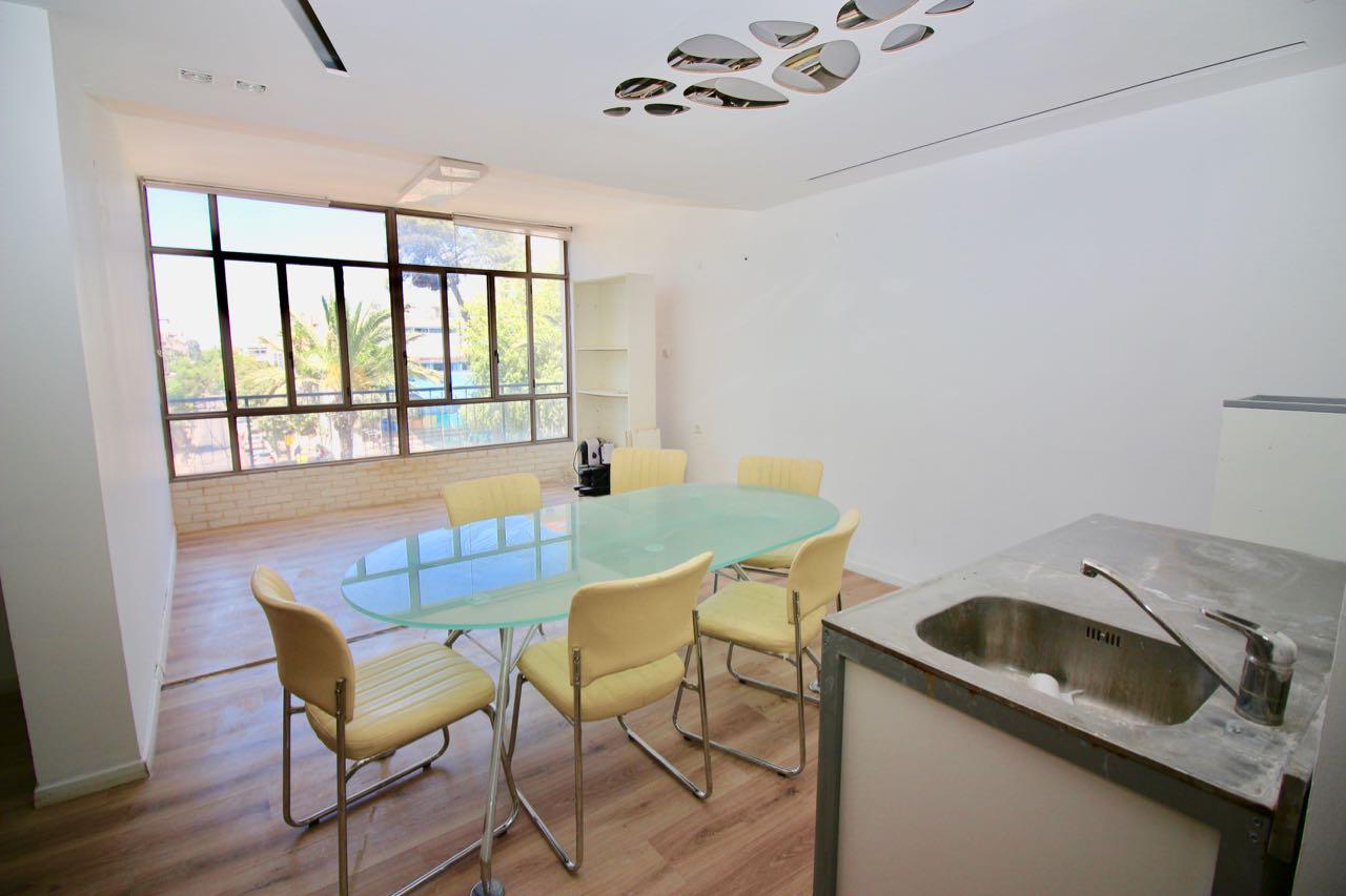 Appartement 4 pièces au centre de Raanana