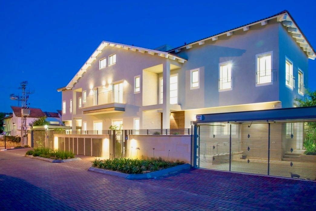 Nouvelle maison dans l'est de Raanana