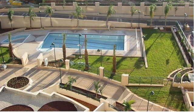 A louer 2,5 pièces dans une résidence avec piscine dans l'ouest de Raanana